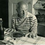 ROBERT DOISNEAU - Les petits pains se nomment des Picasso - Original vintage photogravure
