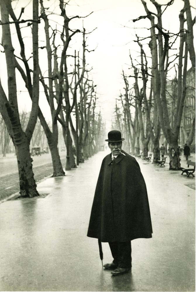 HENRI CARTIER-BRESSON - Allees du Prado, Marseilles - Original vintage photogravure