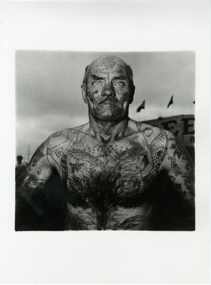 DIANE ARBUS - Tattooed Man at a Carnival, Maryland - Original photogravure