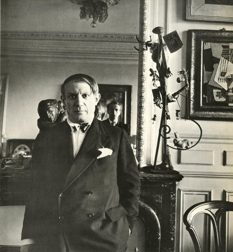 CECIL BEATON - Pablo Picasso, rue de la Boetie #1 - Original vintage photogravure