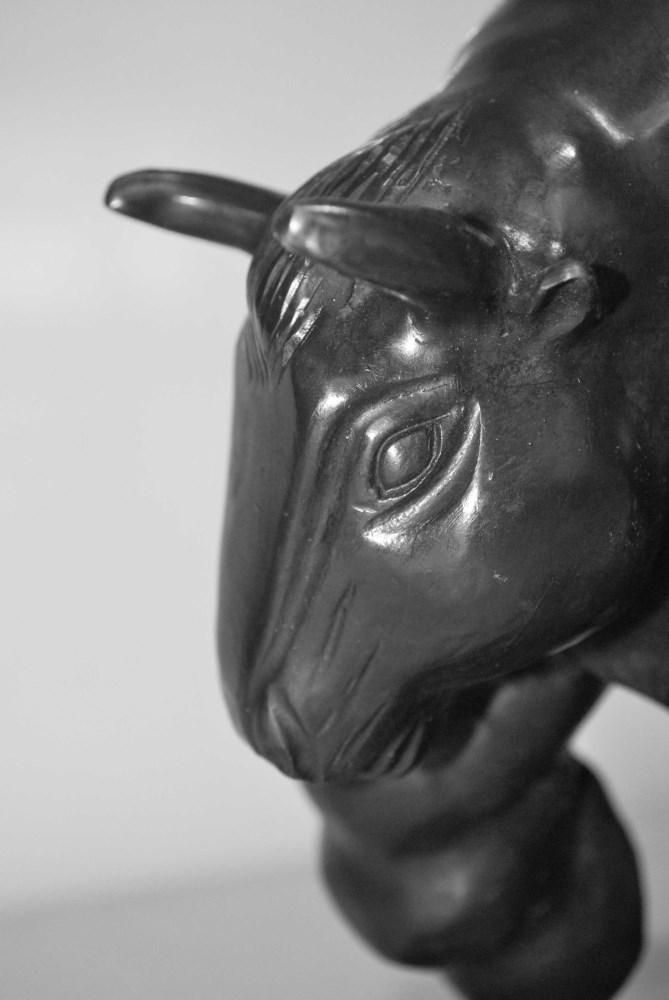 FERNANDO BOTERO [imputee] - Toro - Bronze sculpture with very dark brown patina - Image 7 of 10