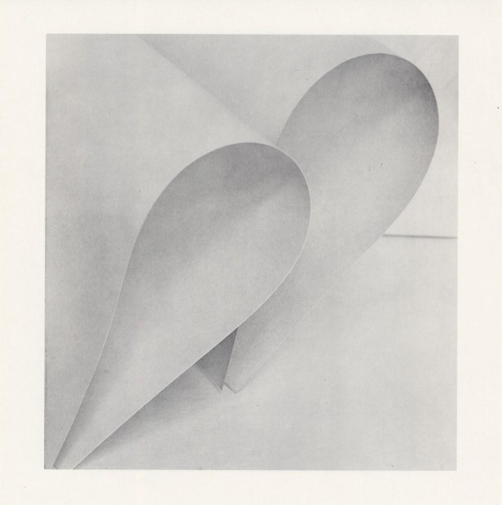 MANUEL ALVAREZ BRAVO - Juego de papel, Variacíon #3 - Original photogravure