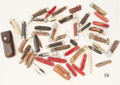 Konvolut 44 TaschenmesserVerschiedene. Älter und neuer. Zustand: II