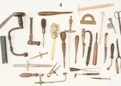 Konvolut Brieföffner u.a19 Teile, dabei altes feinmechanisches Werkzeug. Zustand: II