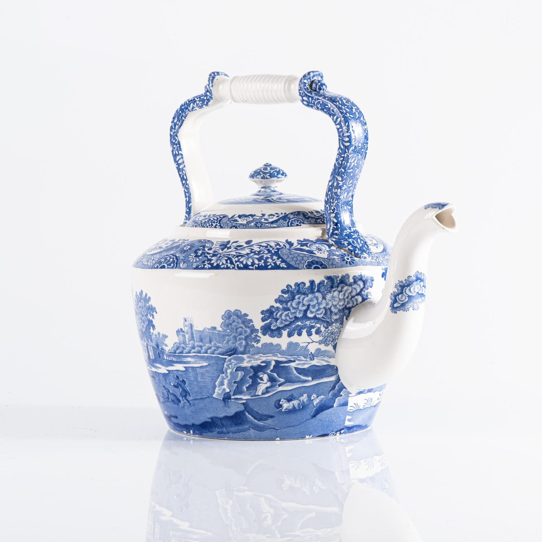 A SPODE ?BLUE ITALIAN? PATTERN KETTLE-SHAPED TEAPOT - Image 2 of 2
