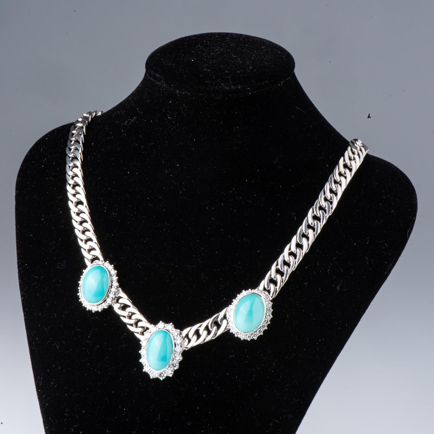 A DIAMOND AND TOURQUOISE NECKLACE