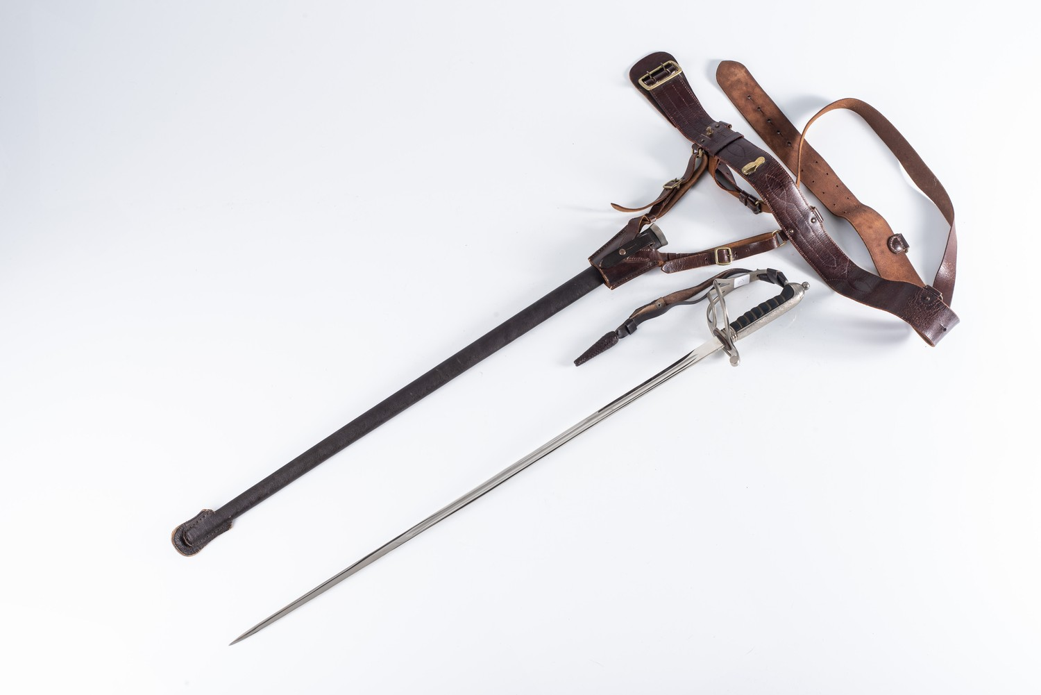 A GERMAN OFFICER'S CEREMONIAL SWORD AND SCABBARD WITH BELT