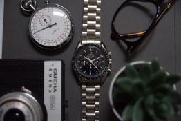 GENTLEMAN'S OMEGA SPEEDMASTER 50TH ANNIVERSARY LIMITED EDITION, 42MM STAINLESS STEEL CASE,