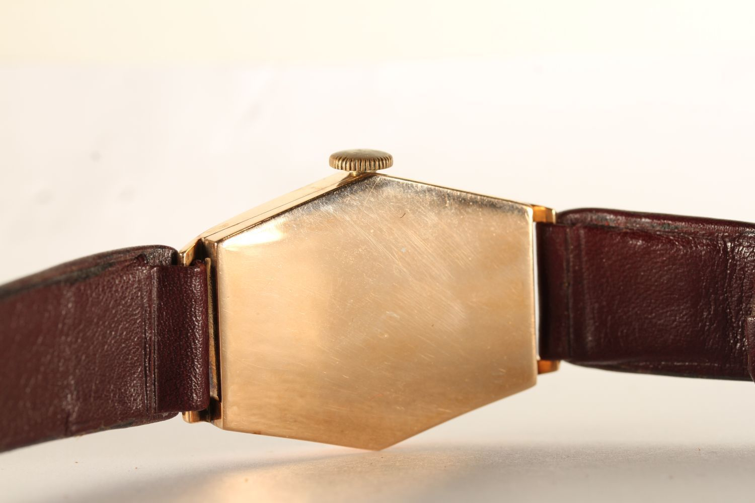 GENTLEMENS OMEGA OVERSIZE CIRCA 1920/30's WRISTWATCH, hexagonal aged dial with arabic numbers and an - Image 4 of 4
