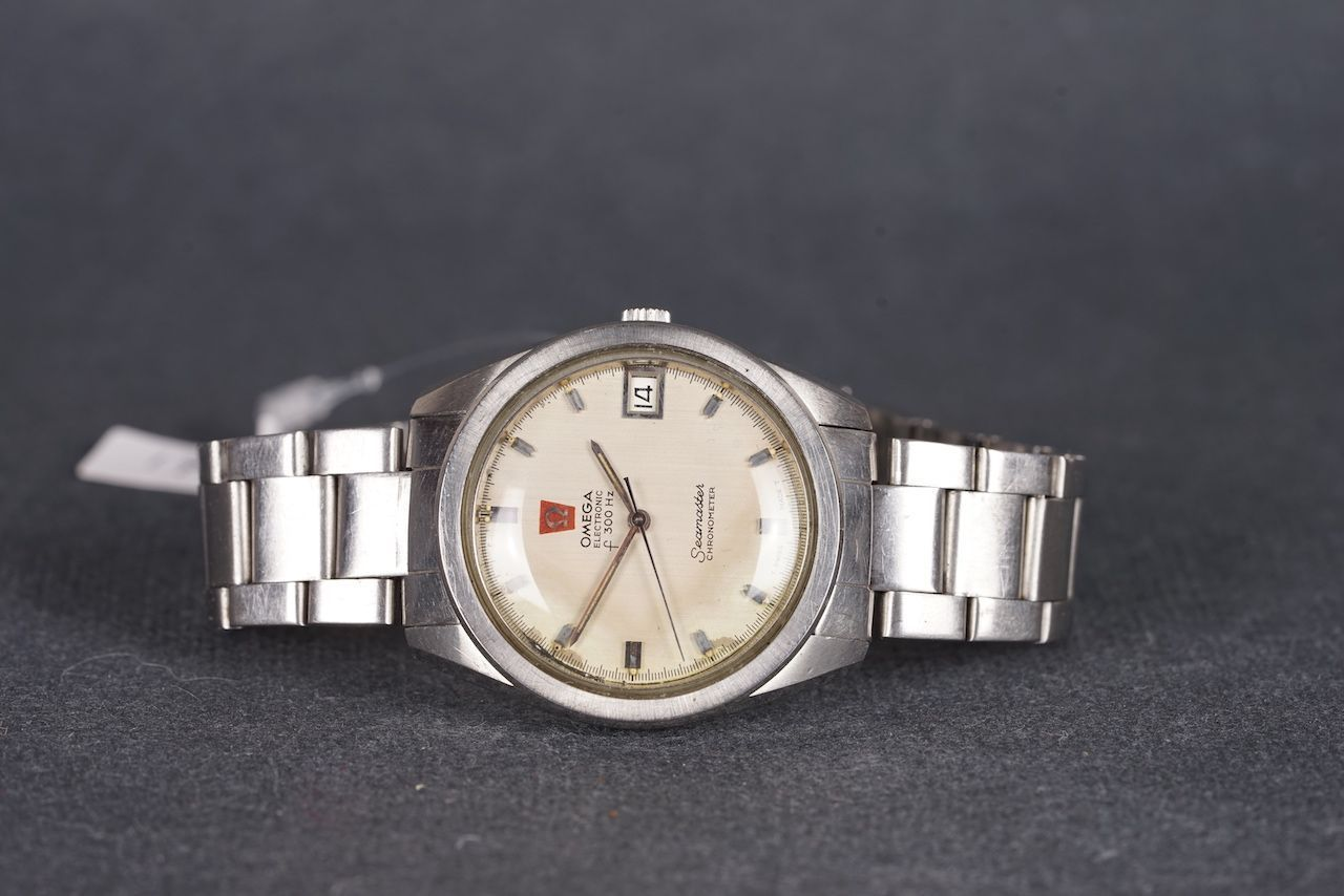 GENTLEMENS OMEGA SEAMASTER F300HZ WRISTWATCH, circular patina dial with silver hour markers and