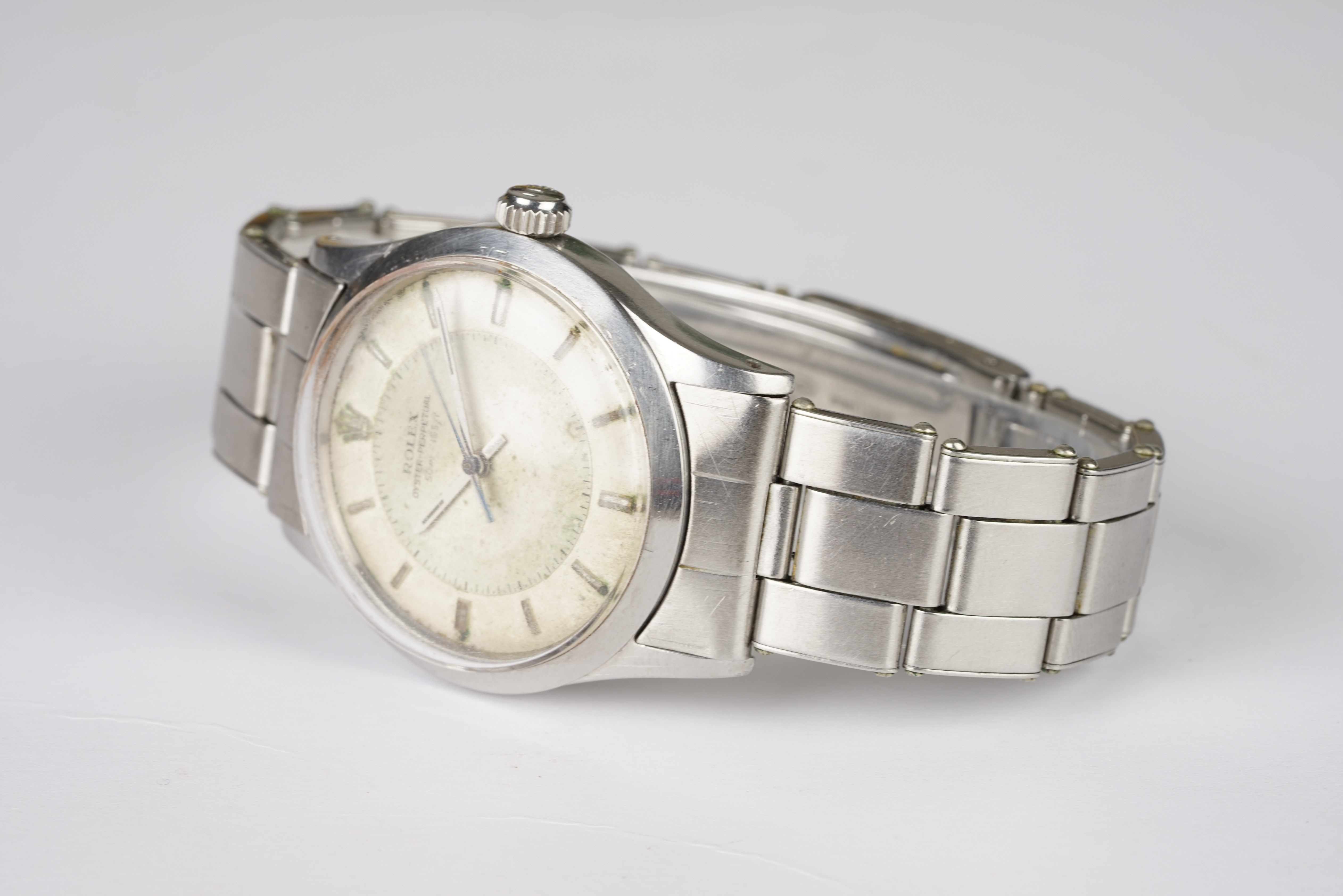 RARE GENTLEMENS ROLEX OYSTER PERPETUAL 'DEPTH RATING' 50M = 165FT WRISTWATCH REF. 6532 CIRCA 1955, - Image 2 of 4