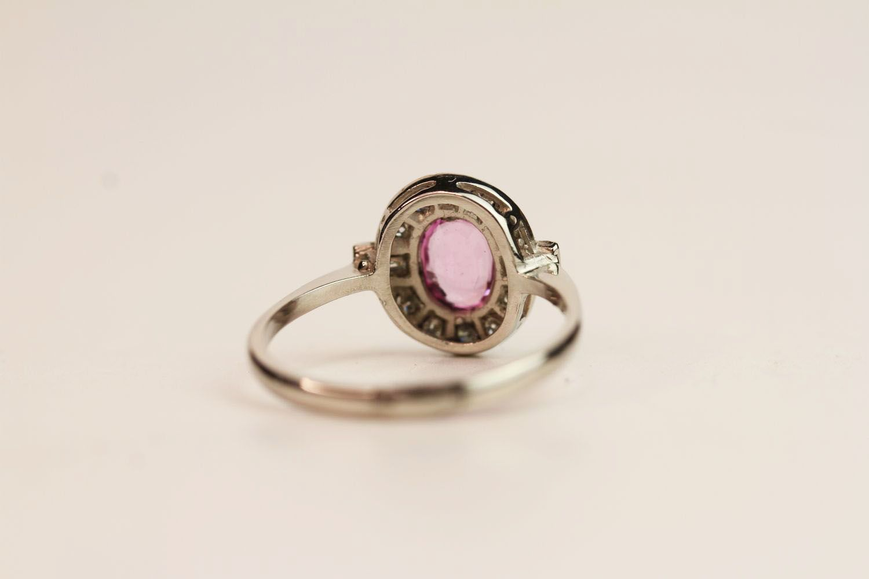 Oval Pink Sapphire & Diamond Ring, platinum, pink - Image 3 of 3