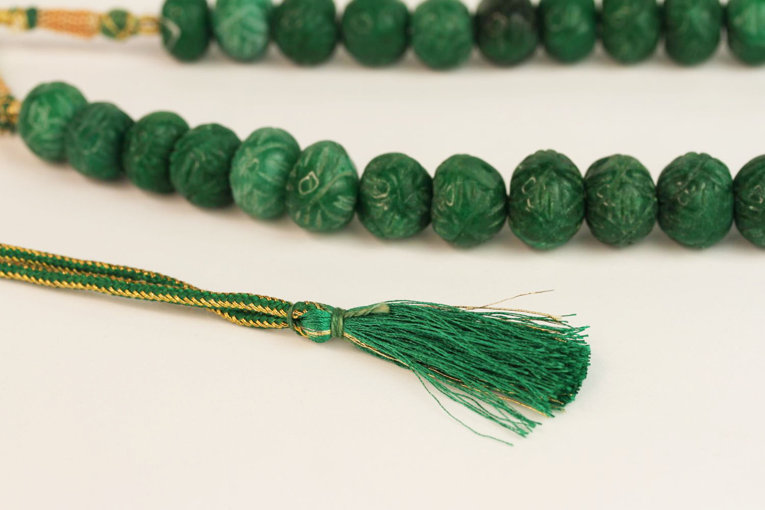 Weighty earth-mined carved natural emerald bead necklace with woven, adjustable slip knot and - Image 3 of 4