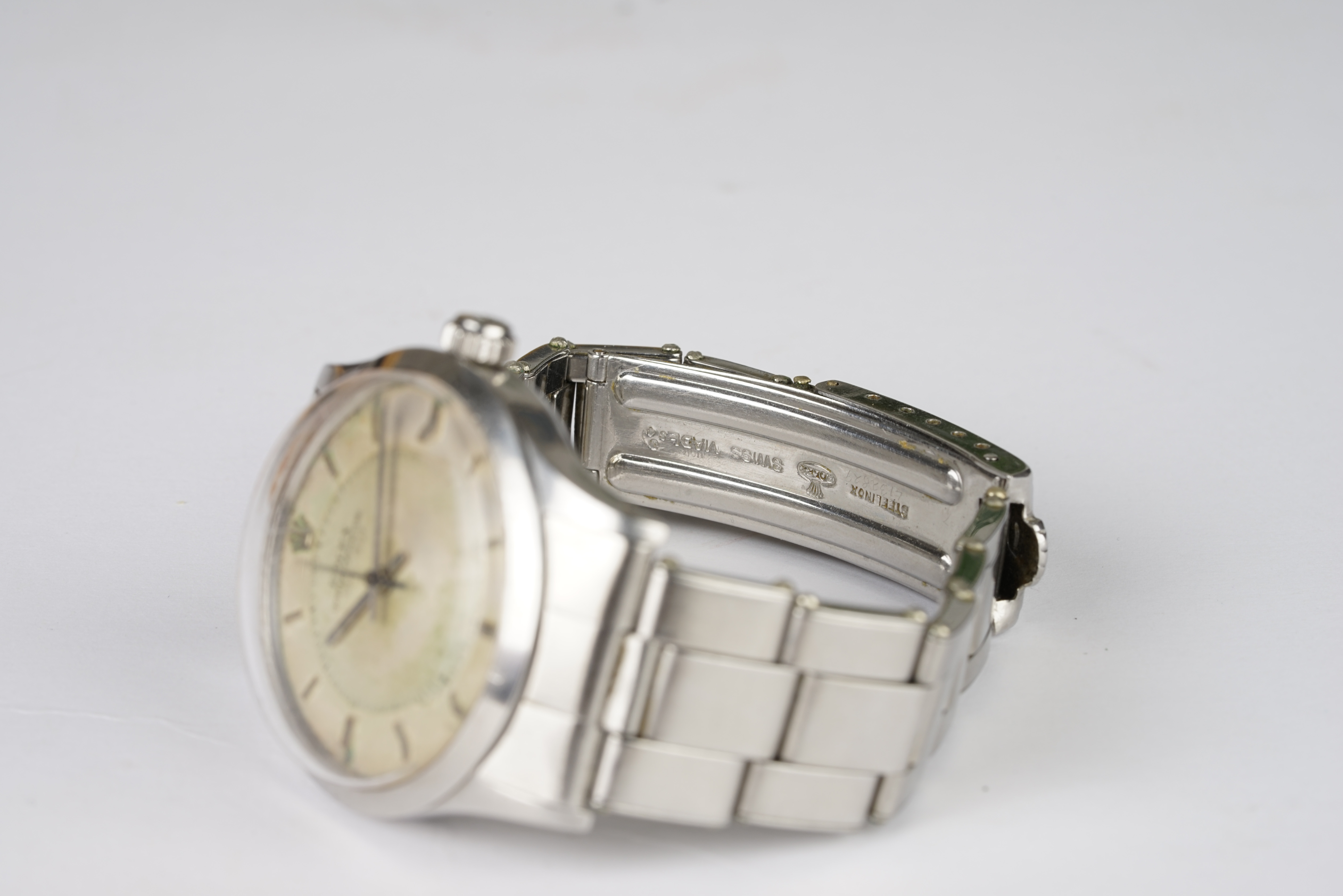 RARE GENTLEMENS ROLEX OYSTER PERPETUAL 'DEPTH RATING' 50M = 165FT WRISTWATCH REF. 6532 CIRCA 1955, - Image 3 of 4