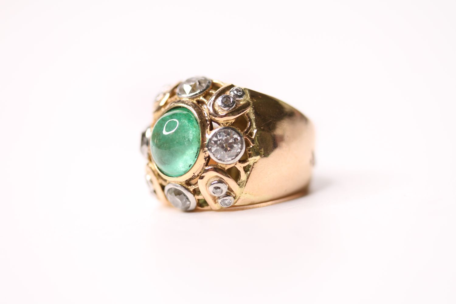 Emerald & Diamond Ring, set with a central cabochon cut emerald, surrounded by diamonds, french - Image 3 of 4