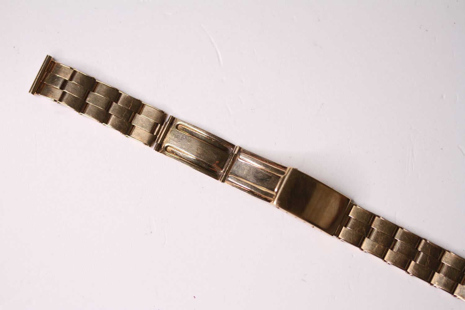 14CT VINTAGE EXPANDABLE BRACELET, stamped 14ct yellow gold, mecan 1956, approximately 35.1g. - Image 2 of 3