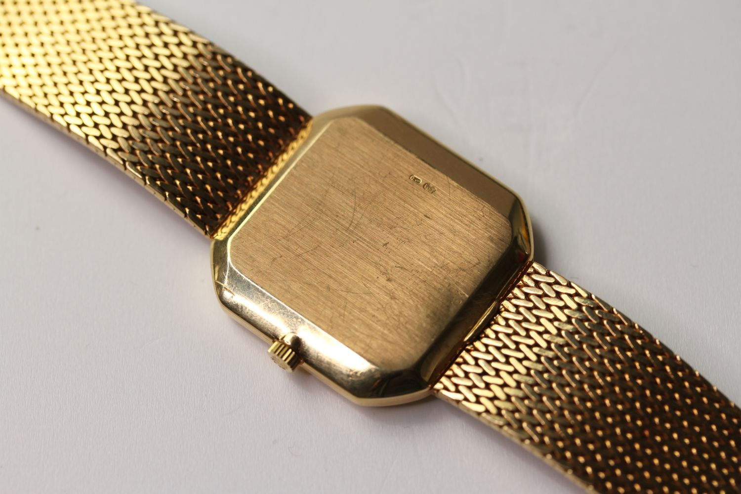 VINTAGE 18CT PATEK PHILIPPE RETAILED GÜBELIN WRIST WATCH WITH PATEK PHILIPPE LEATHER POUCH, - Image 2 of 4