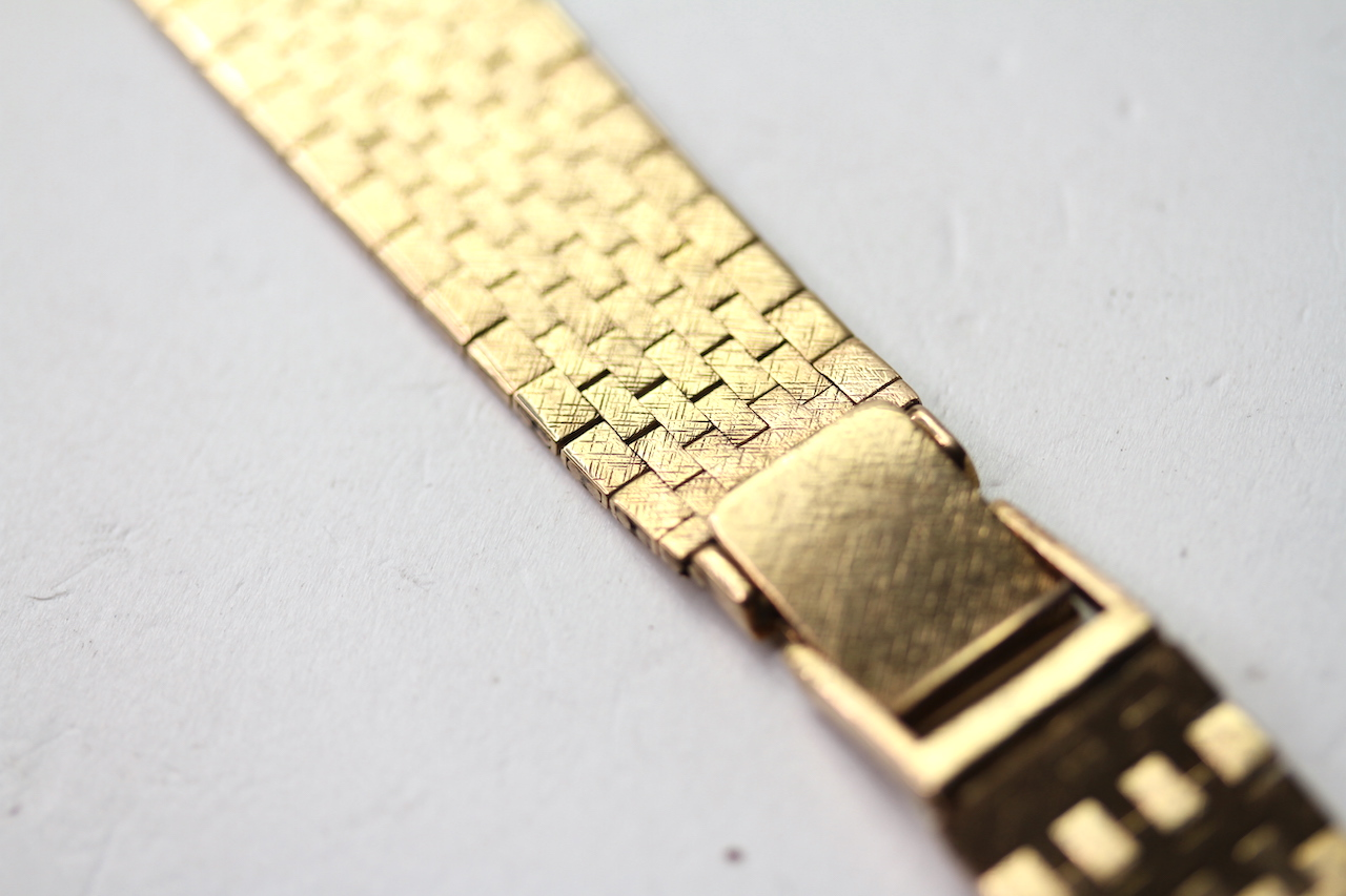 9CT BARK EFFECT BRACELET, stamped 9ct yellow gold, approximately 38.59g. - Image 3 of 3