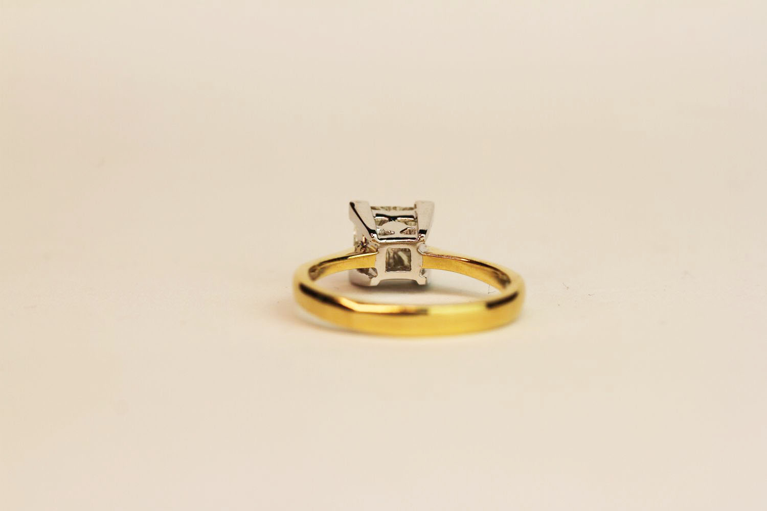 18ct yellow and white gold four invisible set diamond ring. Diamonds 0.75ct, ring size N. - Image 3 of 3