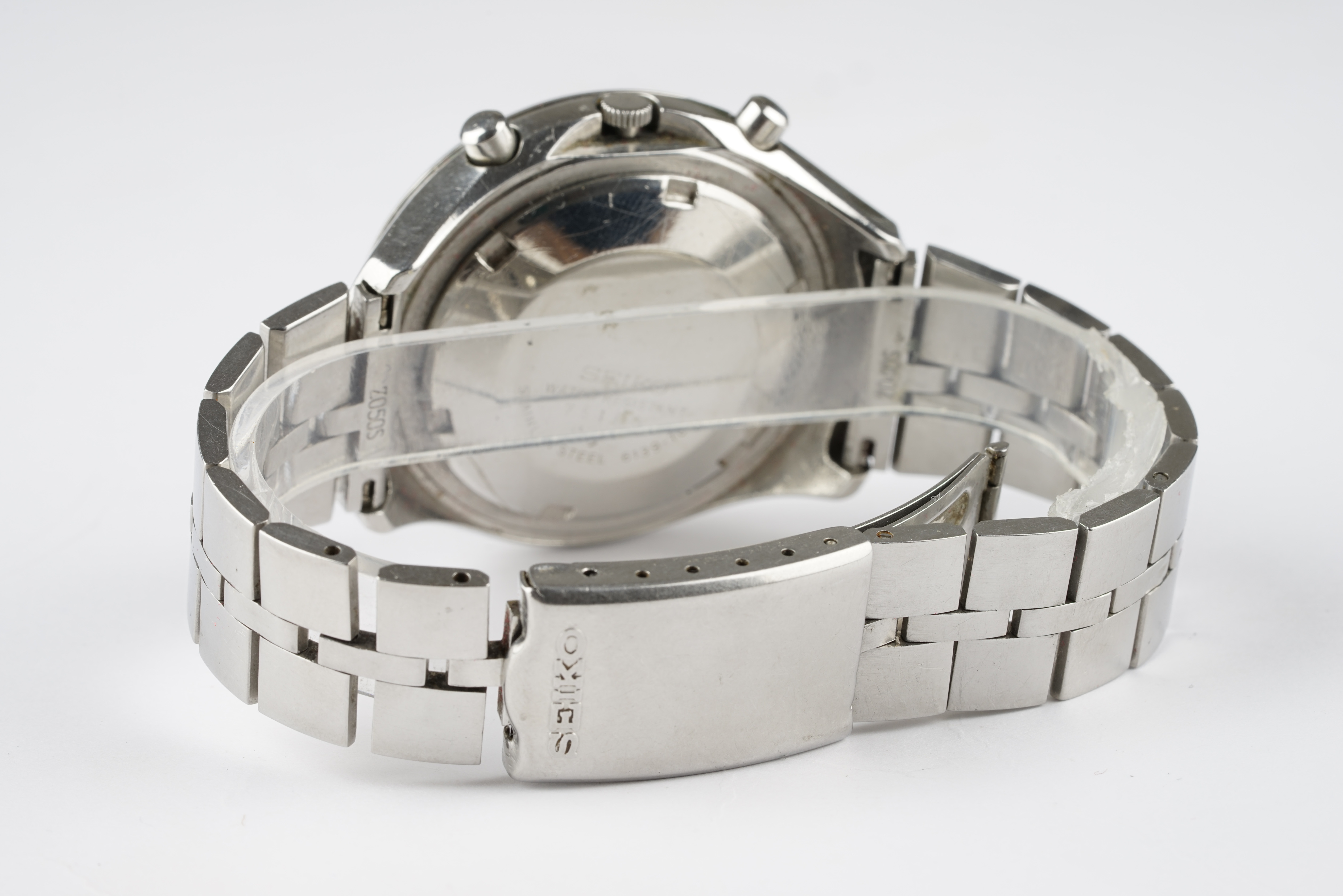 GENTLEMENS SEIKO HELMET CHRONOGRAPH WRISTWATCH, circular black dial with stick and arabic numeral - Image 2 of 2