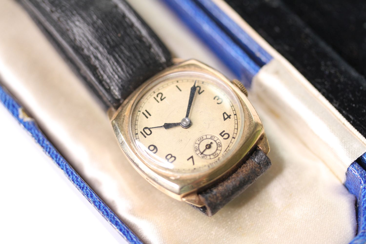 9CT GOLD TRENCH WRISTWATCH, circular silver dial with arabic numbers, small seconds at 6 0'clock, - Image 2 of 5