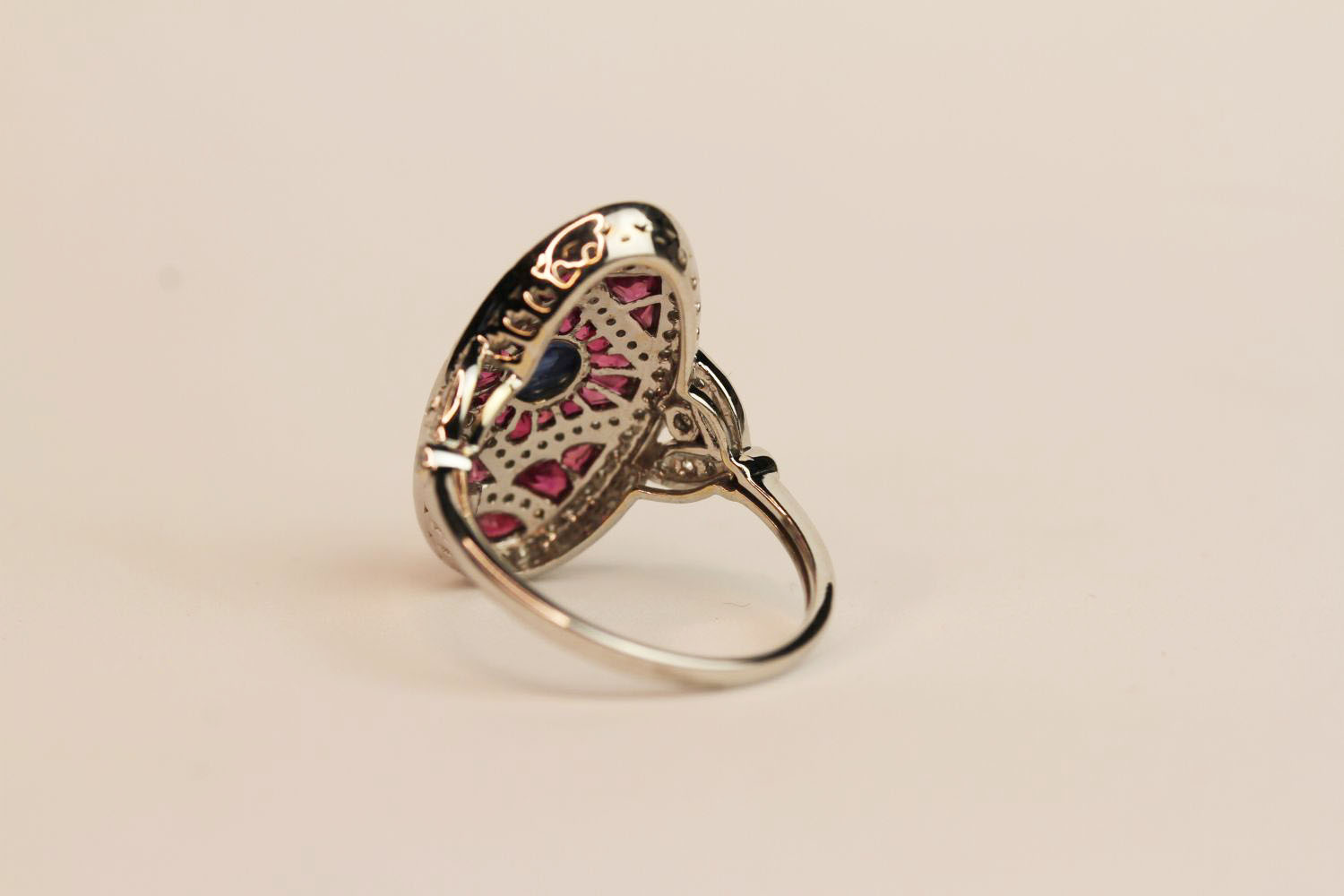 18ct white gold and platinum large Art Deco-style ruby and diamond ring with cabochon sapphire, ring - Image 3 of 3