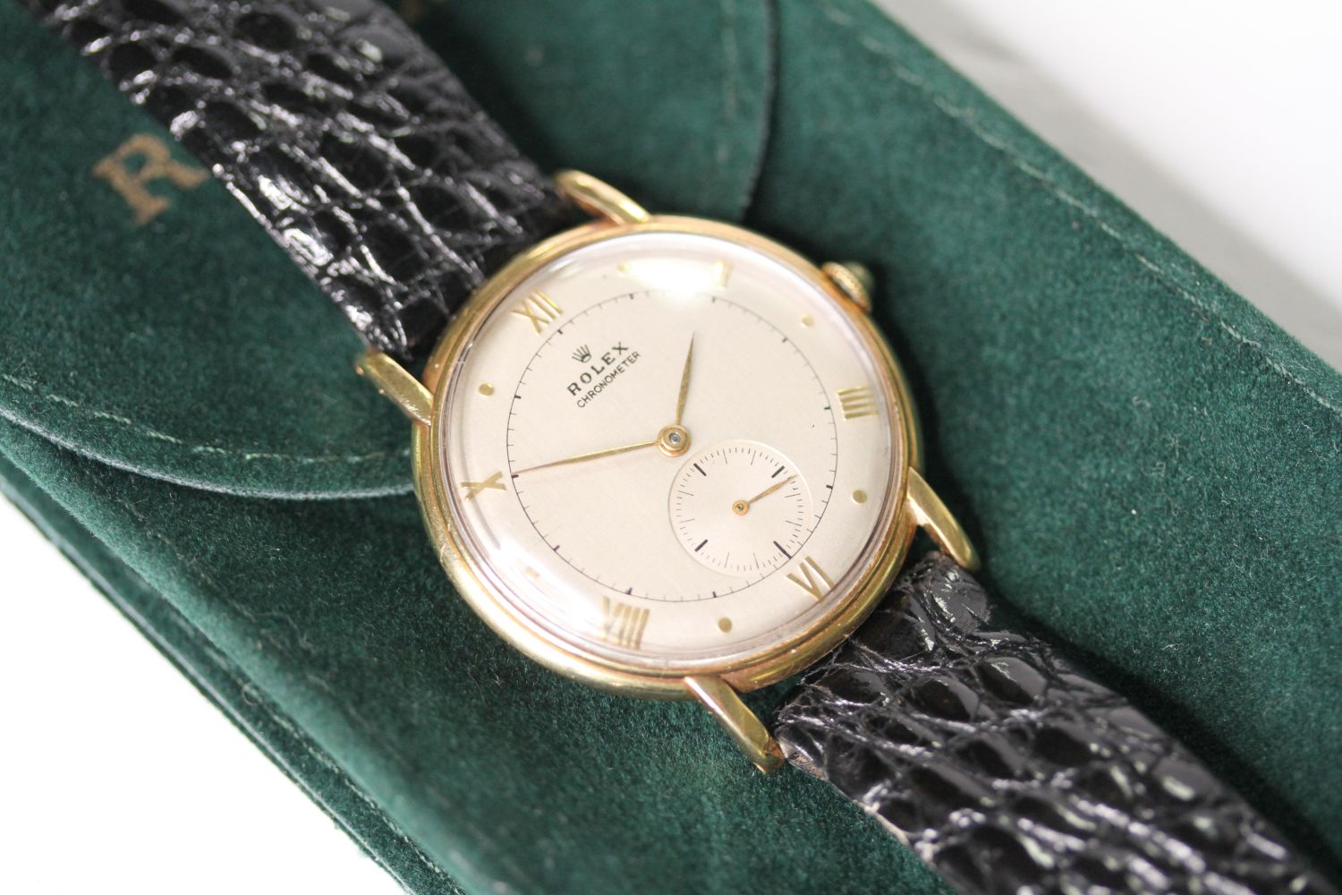 VINTAGE ROLEX OVERSIZE WRISTWATCH CIRCA 1940s, circular silver dial with roman numerals and dot hour - Image 2 of 5