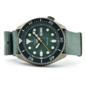 """*TO BE SOLD WITHOUT RESERVE*GENTLEMAN'S SEIKO 5 """"5KX"""" BLACK AND GREEN, REF SRPD77K1 (4R36-07G0),"""