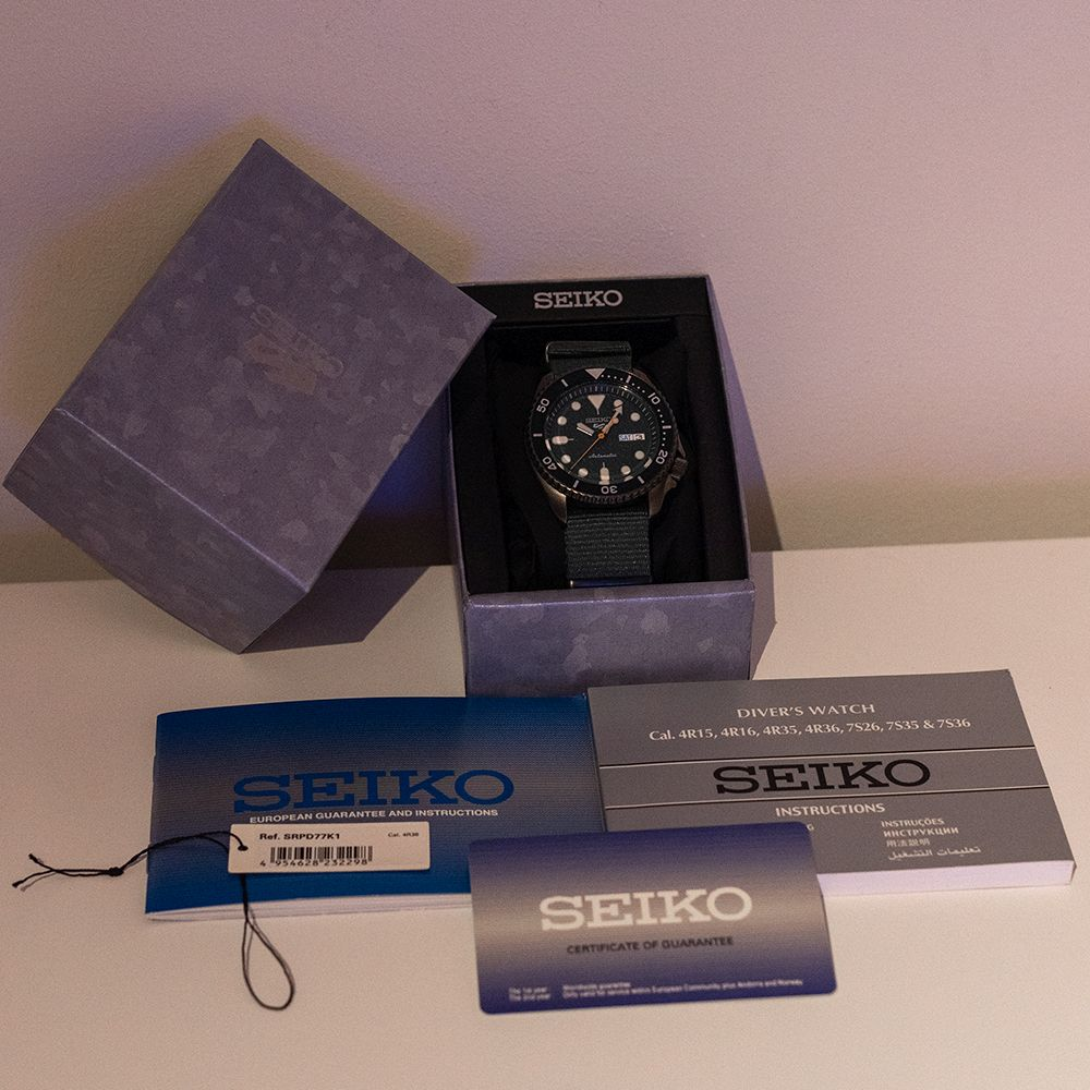"""*TO BE SOLD WITHOUT RESERVE*GENTLEMAN'S SEIKO 5 """"5KX"""" BLACK AND GREEN, REF SRPD77K1 (4R36-07G0), - Image 4 of 5"""