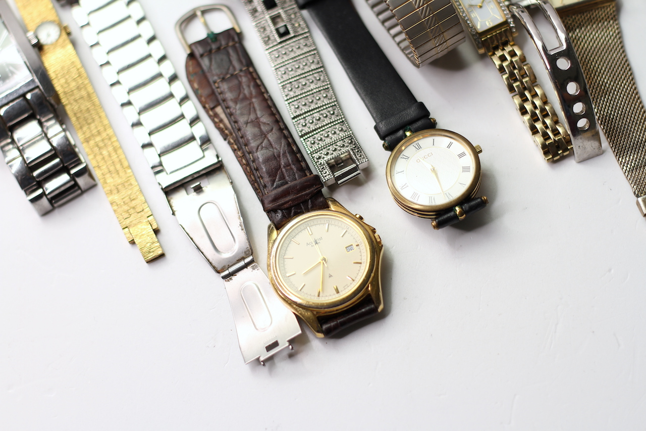 *TO BE SOLD WITHOUT RESERVE* A LARGE QUANTITY OF WATCHES (27) INCLUDING GUCCI , ARMARNI, ROTARY - Image 3 of 5