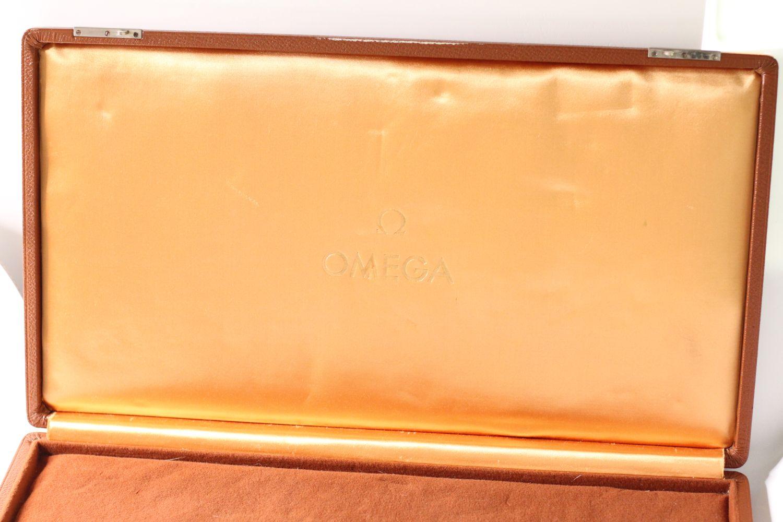 Vintage Oversized Omega Display Box, Tan Leather bound case, Velvet interior, approximately 46x25cm - Image 2 of 6