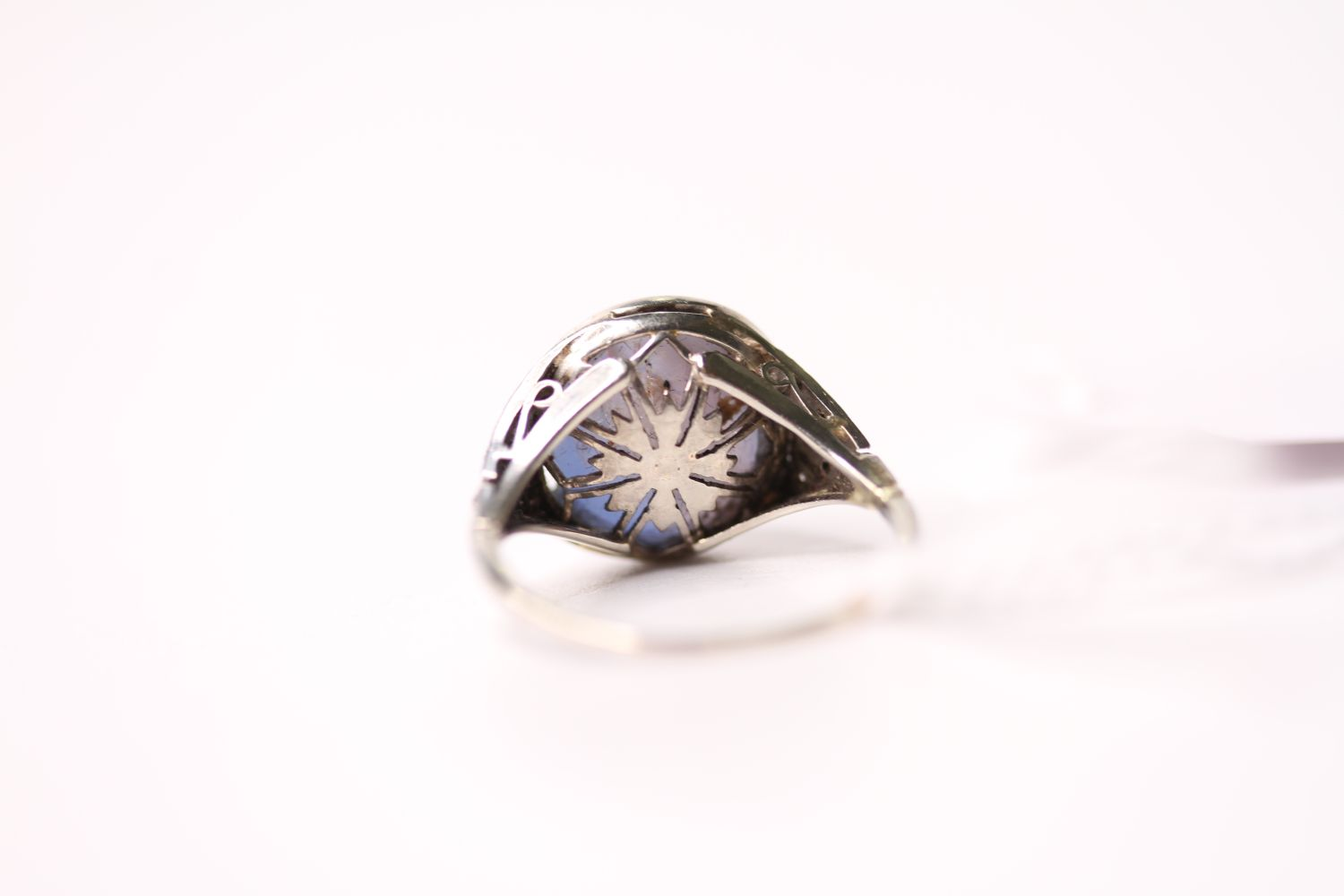 Cabochon Star Sapphire Ring, set with a cabochon cut star sapphire, art deco style, size O. - Image 4 of 4