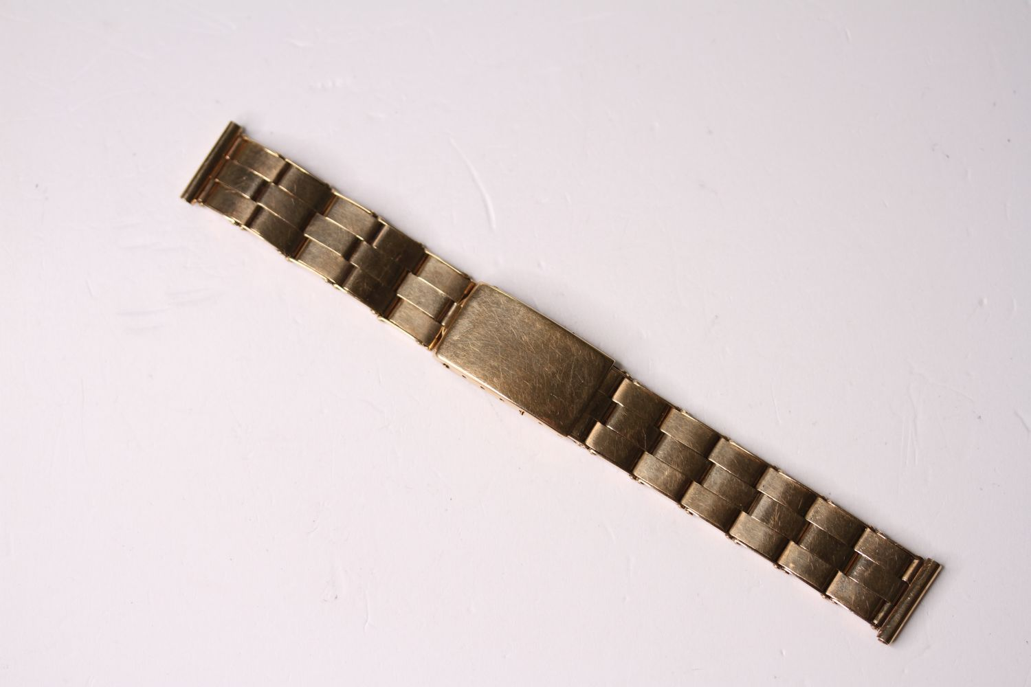 14CT VINTAGE EXPANDABLE BRACELET, stamped 14ct yellow gold, mecan 1956, approximately 35.1g.