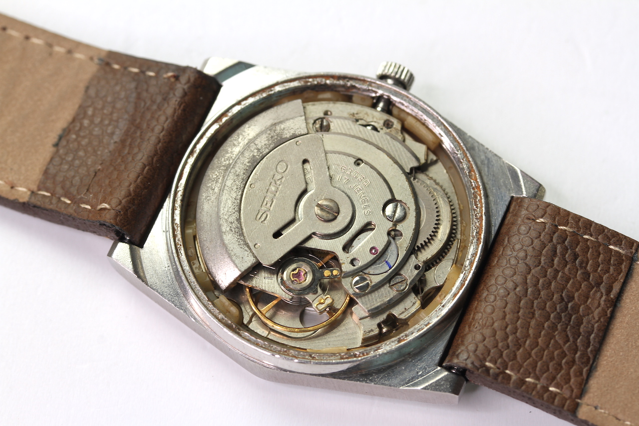 SEIKO 5 AUTOMATIC DAY DATE WIRST WATCH REFERENCE 6309-602A A5, circular brown dial with arabic - Image 4 of 4