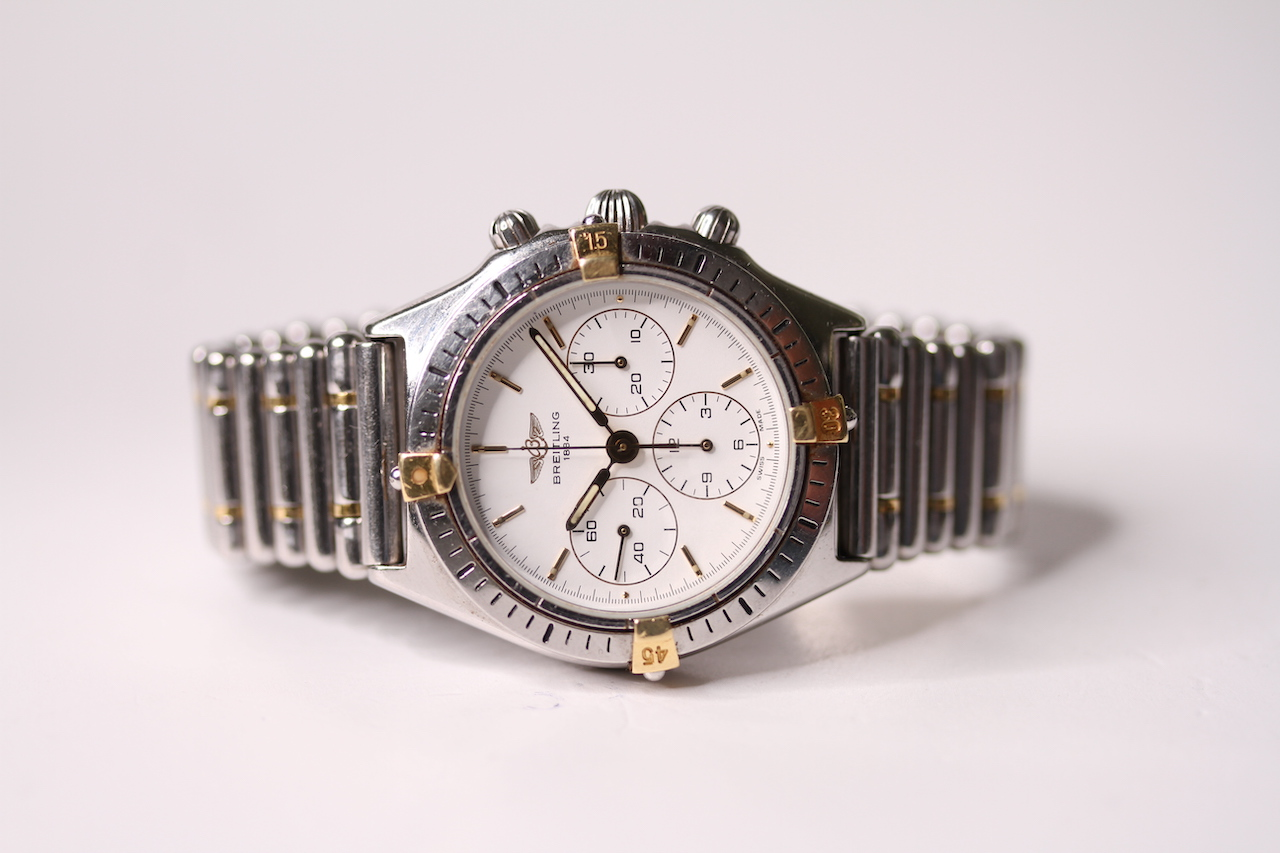 BREITLING CALLISTO CHRONOGRAPH WITH BREITLING TRAVEL CASE REFERENCE 80520-D, circular white dial