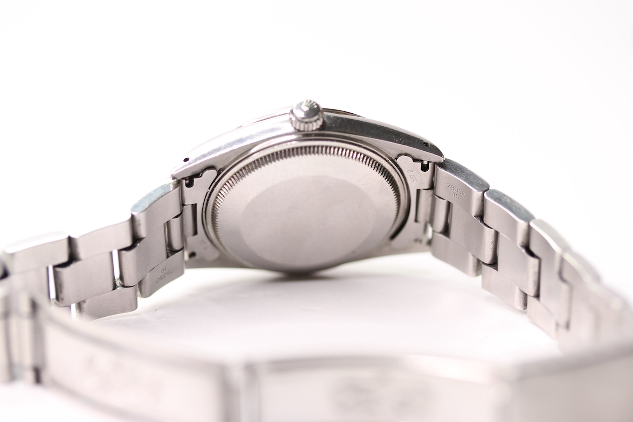 VINTAGE ROLEX OYSTER PERPETUAL DATE QUICK CHANGE REFERENCE 15000 CIRCA 1980, circular sunburst - Image 2 of 4