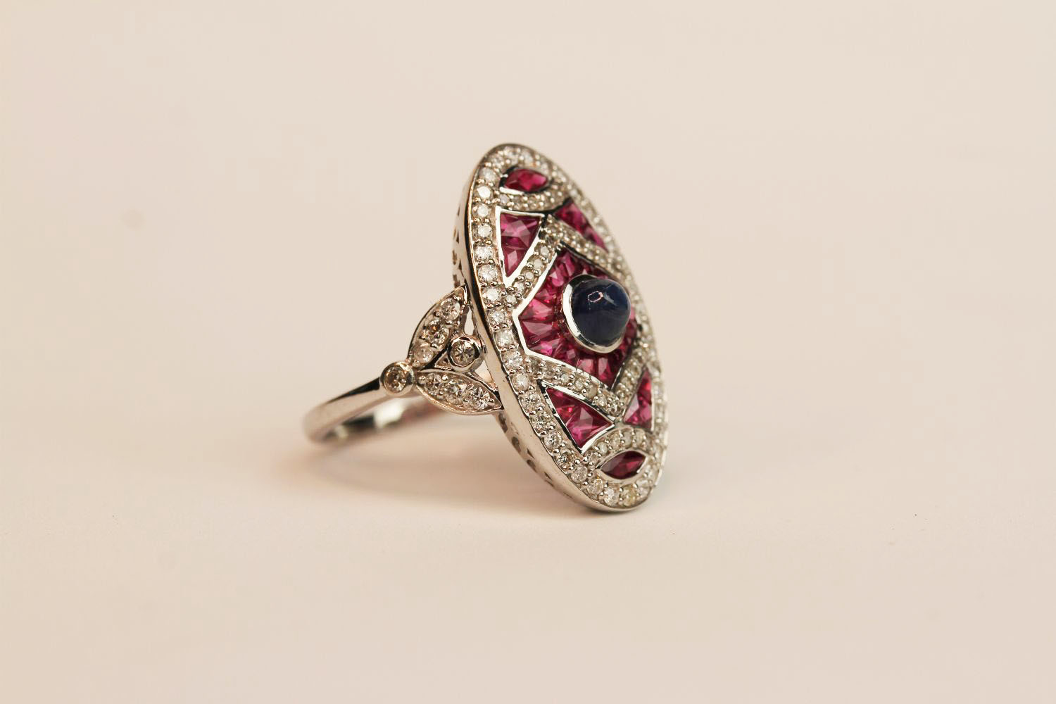 18ct white gold and platinum large Art Deco-style ruby and diamond ring with cabochon sapphire, ring - Image 2 of 3