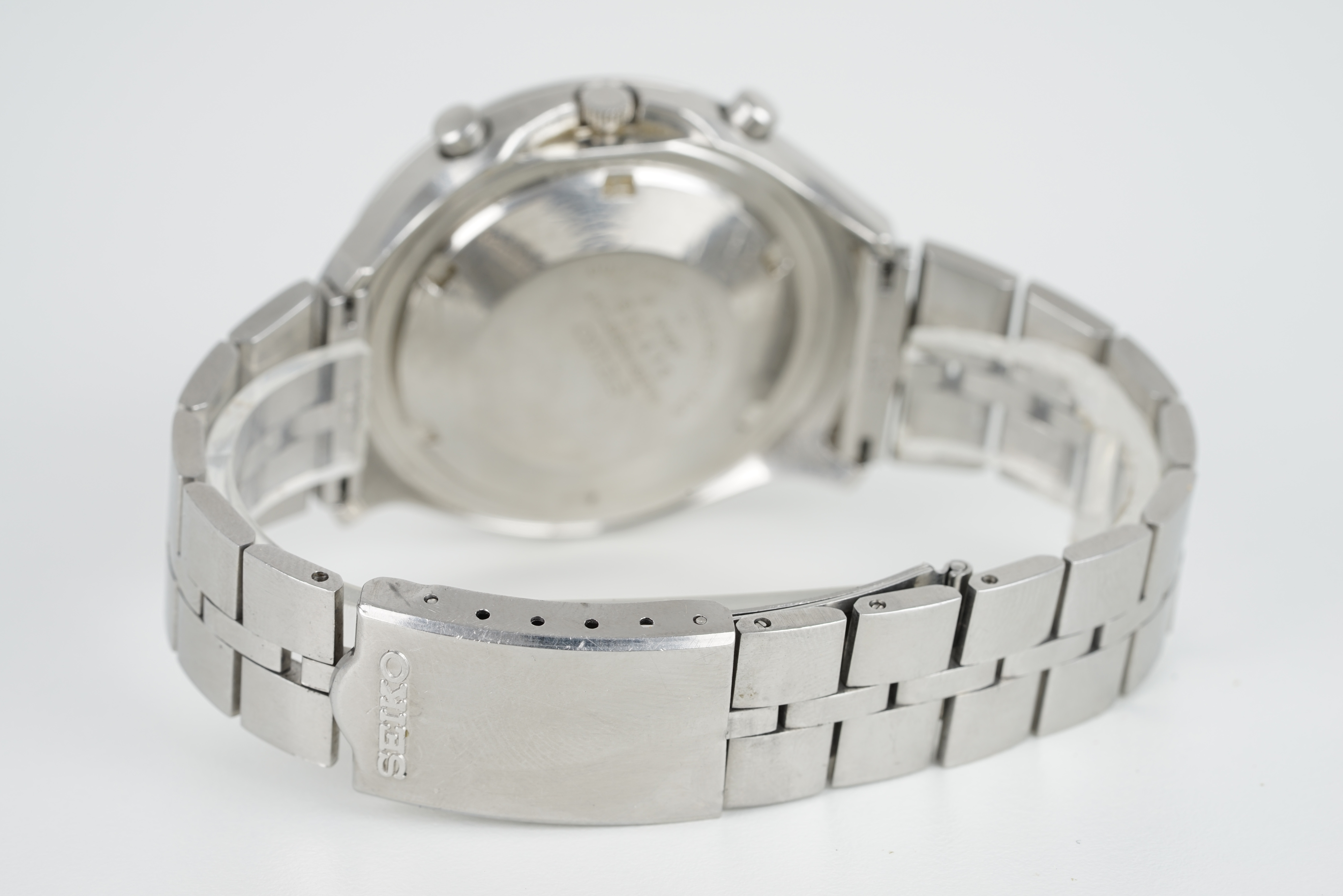 GENTLEMENS SEIKO HELMET AUTOMATIC CHRONOGRAPH WRISTWATCH, circular white dial with stick hour - Image 2 of 2
