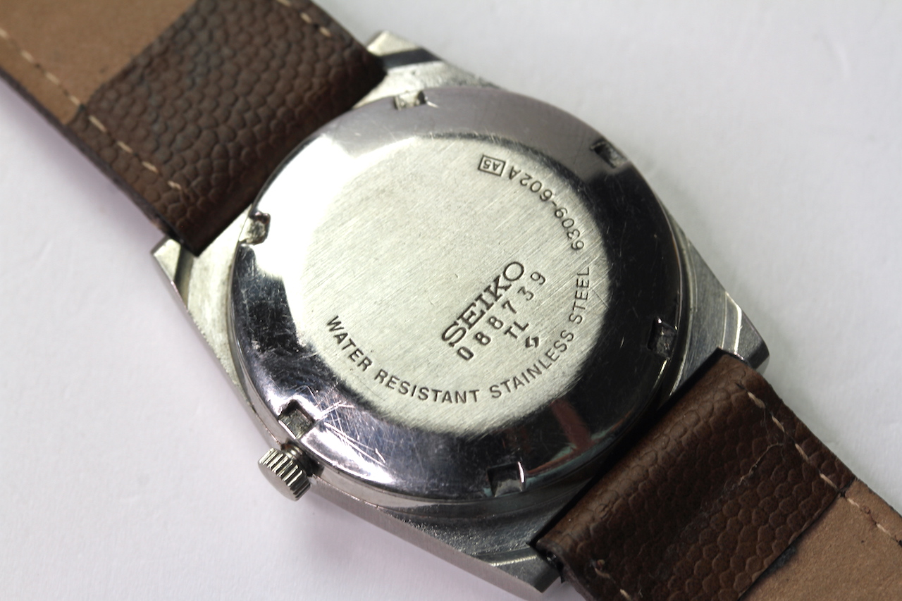 SEIKO 5 AUTOMATIC DAY DATE WIRST WATCH REFERENCE 6309-602A A5, circular brown dial with arabic - Image 2 of 4