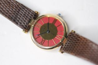 LADIES MUST DE CARTIER VENDOME VERMEIL QUARTZ WATCH, circular outer maroon dial with gold roman