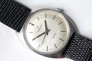VINTAGE ZENITH SPORTO, silvered dial with black baton hour markers, 33mm stainless steel case,