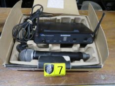 CONCERT 88 MICROPHONE-WIRELESS HANDHELD (SAMSON)