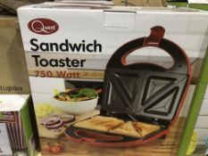 QUEST 750 WATT SANDWICH TOASTER