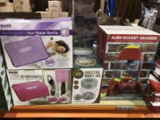 2 X BAUER PROFESSIONAL RECHARGEABLE HOT WATER BOTTLES, 2 X DIGITAL MONEY JARS AND A ALIEN ROCKET