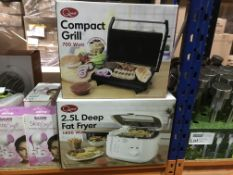 QUEST 2.5L 1800 WATT DEEP FAT FRYER AND A QUEST 700 WATT COMPACT GRILL