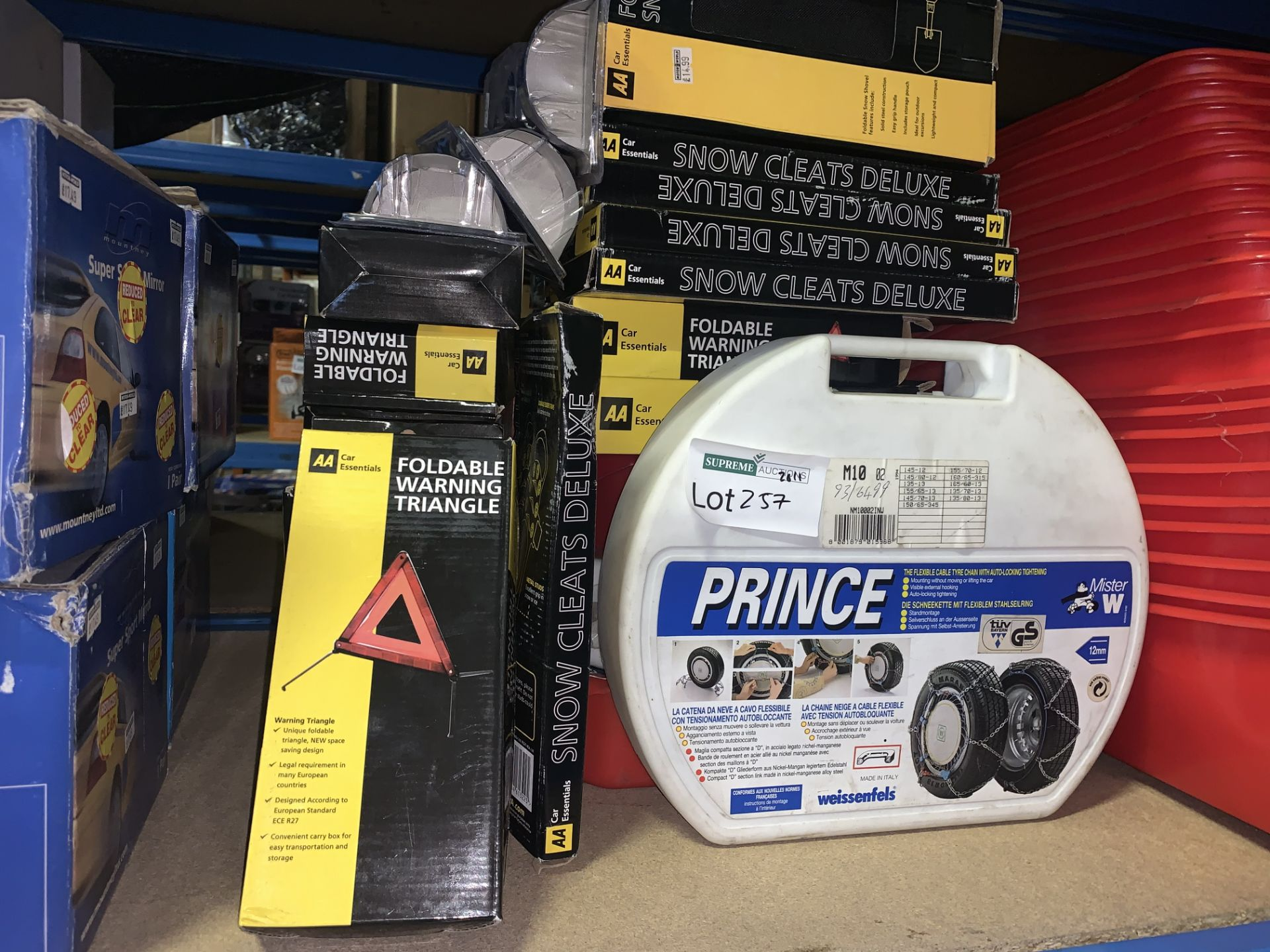 25 PIECE MIXED LOT INCLUDING AA FOLDABLE WARNING TRIANGLES, PRINCE CABLE TYRE CHAINS, SNOW AND ICE