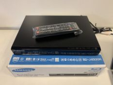5 X SAMSUNG BD-J4500R BLU-RAY/DVD PLAYERS