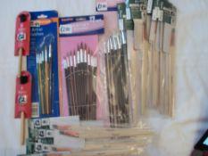 Fantastic Lot of Artist Brushes