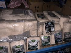 LARGE QUANTITY OF POLISHING CLOTH IN VARIOUS PACK SIZES