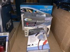 LOT INCLUDING CAR2CAR CHARGER, 4AMP BATTERY CHARGER AND AUTOMATIC DIGITAL AIR COMPRESSOR